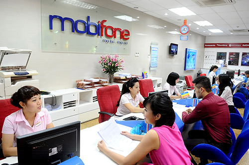 mobifone-manh-tay-tro-gia-bphone-2-tao-da-phat-trien-2018 (1)